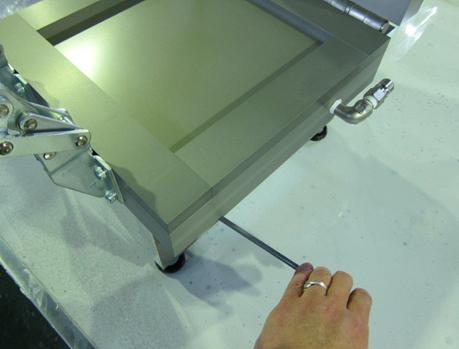 小型テストピース板成形装置