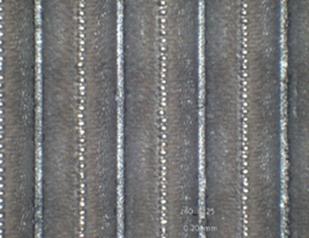 0.4mm幅のVスリット