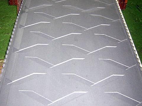 天然突き板を成型